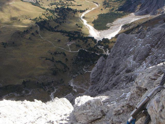 Foto: Manfred Karl / Klettersteig Tour / Laurenzisteig auf den Mittleren Molignon / Zum Glück sind die wirklich ausgesetzten Stellen gesichert, aber auch die nicht versicherten Stellen verlangen absolute Schwindelfreiheit und Trittsicherheit! / 14.09.2008 11:34:47