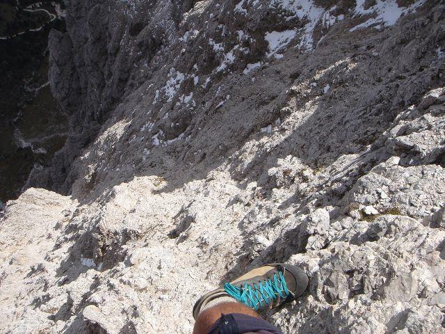 Foto: Manfred Karl / Klettersteig Tour / Laurenzisteig auf den Mittleren Molignon / Der Tiefblick ist an einigen Stellen ganz ordentlich! / 14.09.2008 11:33:33