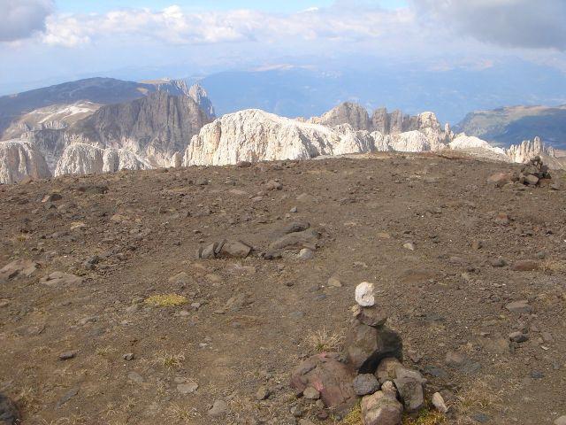 Foto: Manfred Karl / Klettersteig Tour / Laurenzisteig auf den Mittleren Molignon / Lavagestein am Gipfel des Mittleren Molignon / 14.09.2008 11:23:27