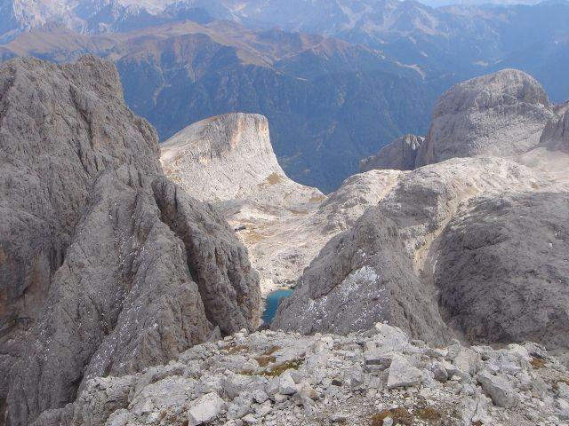 Foto: Manfred Karl / Klettersteig Tour / Laurenzisteig auf den Mittleren Molignon / Tiefblick zum Antermoiasee / 14.09.2008 11:22:55