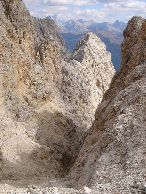 Foto: Manfred Karl / Klettersteig Tour / Laurenzisteig auf den Mittleren Molignon / Viel Schutt - daher auf Steinschlag achten bei mehreren Begehern! / 14.09.2008 11:21:28