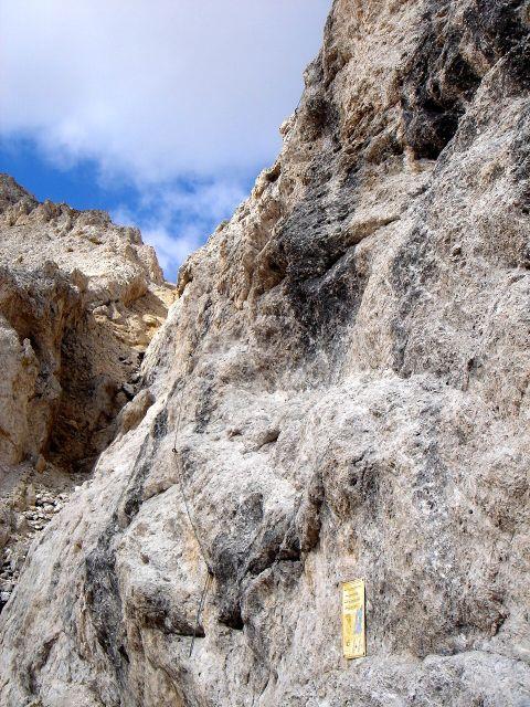 Foto: Manfred Karl / Klettersteig Tour / Laurenzisteig auf den Mittleren Molignon / Die D-Stelle am Schluss (oder Beginn) des Klettersteiges verlangt ordentliches Zupacken! / 14.09.2008 11:18:42