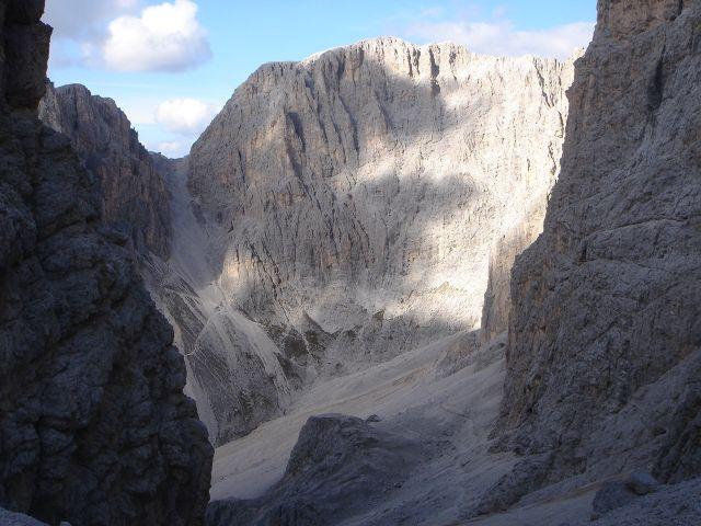 Foto: Manfred Karl / Klettersteig Tour / Laurenzisteig auf den Mittleren Molignon / Wenn man dort links oben in der Scharte steht, hat man den Rückweg fast geschafft / 14.09.2008 11:05:45