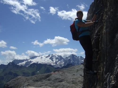 Foto: hofchri / Klettersteig Tour / Via ferrata Piz da Lech / Abstieg mit Marmolada im Hintergund / 03.10.2009 18:29:23