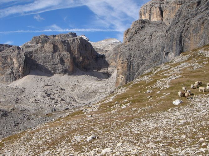 Foto: Manfred Karl / Klettersteig Tour / Via ferrata Piz da Lech / Blick übers Vallontal zum Piz Boe / 14.09.2008 19:14:47