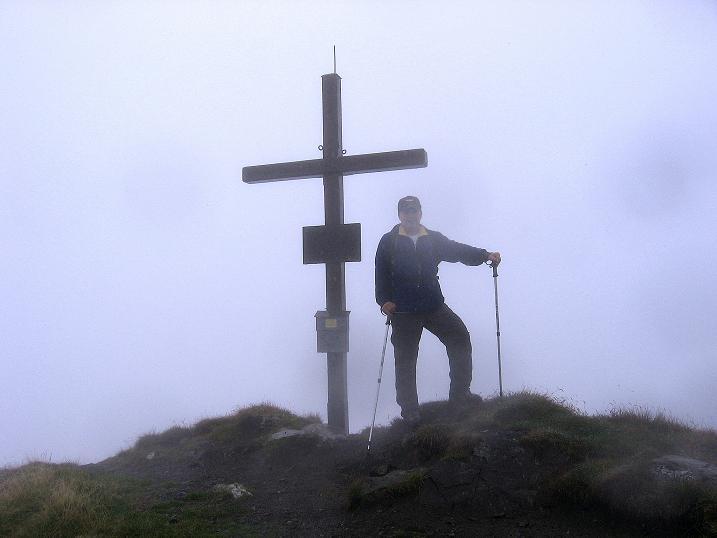 Foto: Andreas Koller / Wander Tour / Kammtour über dem Sölkpass (2284 m) / Hornfeldspitz-Gipfelkreuz / 13.09.2008 23:28:19
