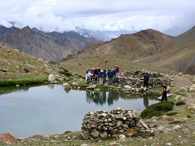 Foto: Andreas Koller / Wander Tour / Von Tachuntse auf den Nimaling Ri (5648m) / Bergseen in Nimaling / 14.09.2008 00:27:29