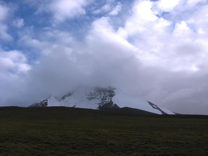 Foto: Andreas Koller / Wander Tour / Von Tachuntse auf den Nimaling Ri (5648m) / Der Kang Yatse (6404 m) / 14.09.2008 00:22:52