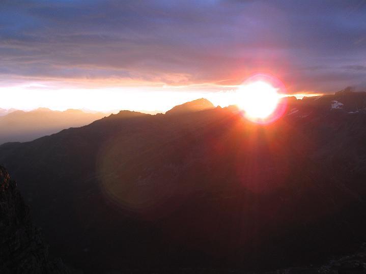 Foto: Andreas Koller / Wander Tour / König Ortler (3905m) / Sonnenaufgang über der Ortlergruppe / 14.09.2008 01:25:39