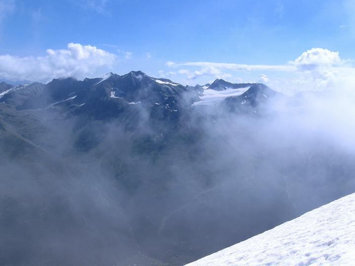 Foto: Andreas Koller / Wander Tour / König Ortler (3905m) / Blick auf die Angelus-Gruppe mit Rosimferner / 14.09.2008 01:19:21