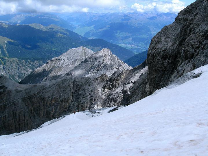 Foto: Andreas Koller / Wander Tour / König Ortler (3905m) / Im unteren Teil des Ortlerferner, wo man die Felsen erreicht / 14.09.2008 01:18:32