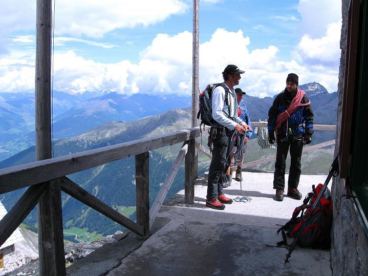 Foto: Andreas Koller / Wander Tour / König Ortler (3905m) / Zurück auf der Payerhütte / 14.09.2008 01:14:43