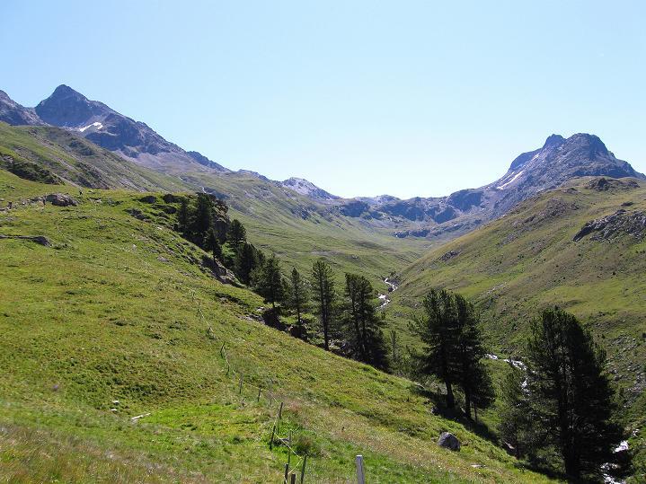 Foto: Andreas Koller / Wander Tour / Piz Languard (3262m) - Bernina-Aussichtsloge  / Links der Piz Languard / 14.09.2008 17:14:00