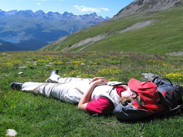 Foto: Andreas Koller / Wander Tour / Piz Languard (3262m) - Bernina-Aussichtsloge  / Wohlverdiente Rast nach der Gipfeltour / 14.09.2008 17:05:16