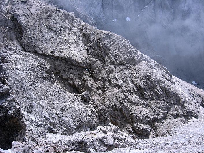 Foto: Andreas Koller / Klettersteig Tour / Klettersteig Ari Schübel (2772 m) / Rückblick zur etwas unangenehmen Querung unter der Kleinen Sandspitze / 14.09.2008 17:48:20