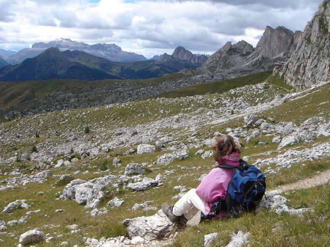 Foto: Manfred Karl / Klettersteig Tour / Via ferrata Ra Gusela / Das schöne Panorama lädt immer wieder zum Rasten und Schauen ein / 14.09.2008 20:57:37