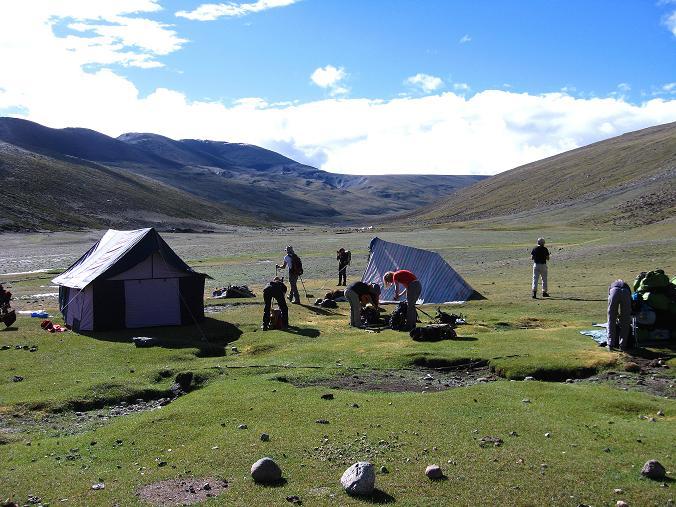 Foto: Andreas Koller / Wander Tour / Über Nimaling auf den Konmaru Ri (5446 m) / Zeltlager Nimaling / 15.09.2008 22:54:03