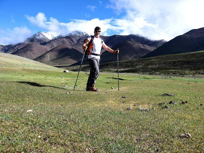 Foto: Andreas Koller / Wander Tour / Über Nimaling auf den Konmaru Ri (5446 m) / Almboden Nimaling und Stok Kangri Range / 15.09.2008 22:53:51
