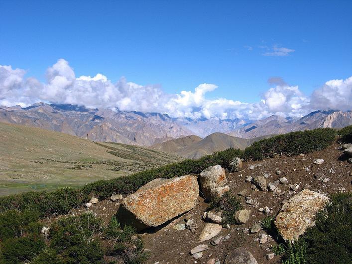 Foto: Andreas Koller / Wander Tour / Über Nimaling auf den Konmaru Ri (5446 m) / Blick in die Zanskar Range / 15.09.2008 22:53:13