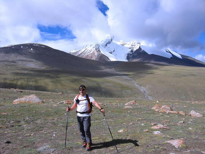 Foto: Andreas Koller / Wander Tour / Über Nimaling auf den Konmaru Ri (5446 m) / Anstieg auf den Konmaru La mit Kang Yatse (6404 m) im Hintergrund / 15.09.2008 22:51:32