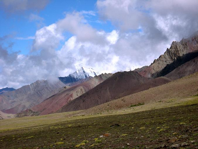 Foto: Andreas Koller / Wander Tour / Über Nimaling auf den Konmaru Ri (5446 m) / Die Stok Kangri Range / 15.09.2008 22:50:58