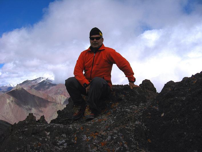 Foto: Andreas Koller / Wander Tour / Über Nimaling auf den Konmaru Ri (5446 m) / Am Gipfel des Konmaru Ri / 15.09.2008 22:46:32