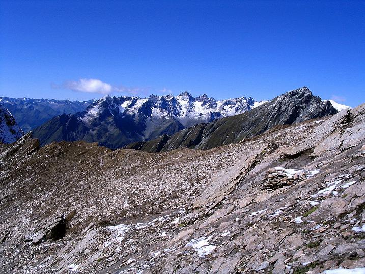 Foto: Andreas Koller / Wander Tour / Auf dem Saazerweg auf die Vordere Kendlspitze (3088m) / Blick über die Dürrenfeldscharte in die Venedigergruppe / 15.09.2008 23:32:02