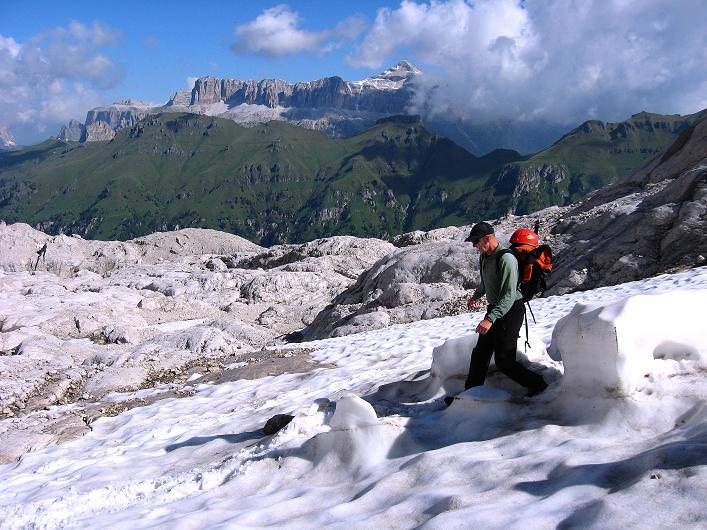Foto: Andreas Koller / Klettersteig Tour / Marmolada (3343m) - Westgrat Klettersteig (Hans Seyffert Weg) / Schneeformationen am Steig Nr. 606 / 18.09.2008 00:36:10