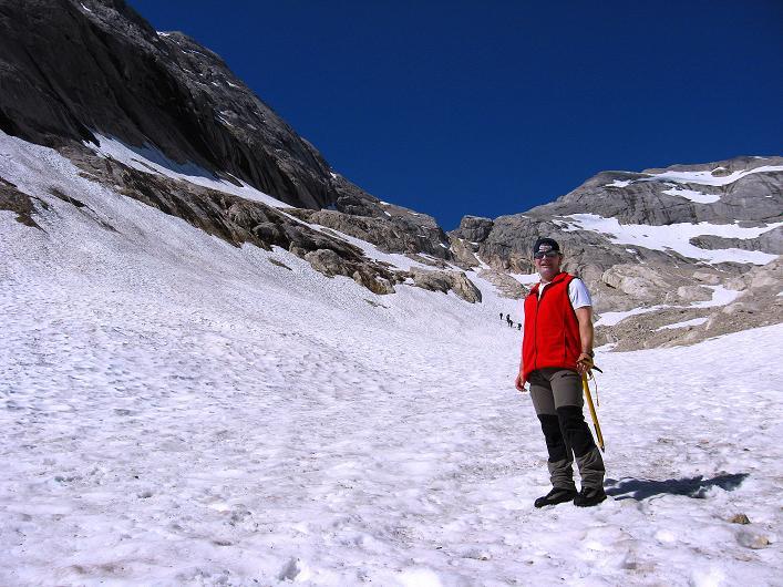 Foto: Andreas Koller / Klettersteig Tour / Marmolada (3343m) - Westgrat Klettersteig (Hans Seyffert Weg) / Im Hintergrund der Einstieg in den Klettersteig / 18.09.2008 00:35:39