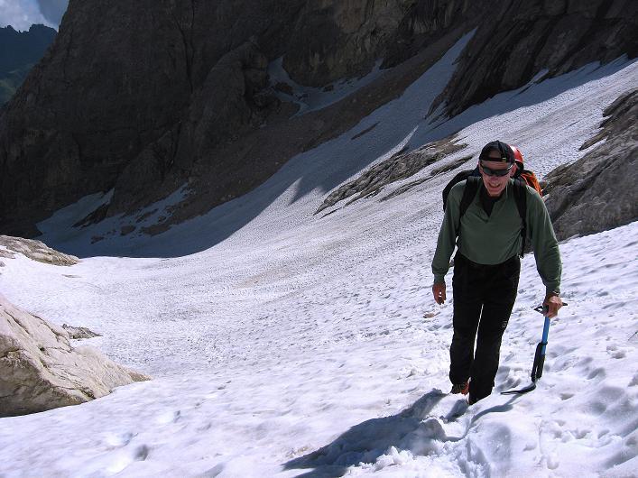 Foto: Andreas Koller / Klettersteig Tour / Marmolada (3343m) - Westgrat Klettersteig (Hans Seyffert Weg) / Steil zu den Einstiegsfelsen / 18.09.2008 00:35:18