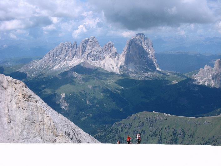 Foto: Andreas Koller / Klettersteig Tour / Marmolada (3343m) - Westgrat Klettersteig (Hans Seyffert Weg) / Blick nach W zum Langkofel (3181 m) / 18.09.2008 00:28:18