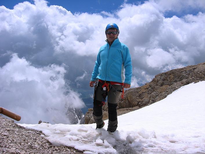 Foto: Andreas Koller / Klettersteig Tour / Marmolada (3343m) - Westgrat Klettersteig (Hans Seyffert Weg) / Bei der Capanna Punta Penia / 18.09.2008 00:26:58