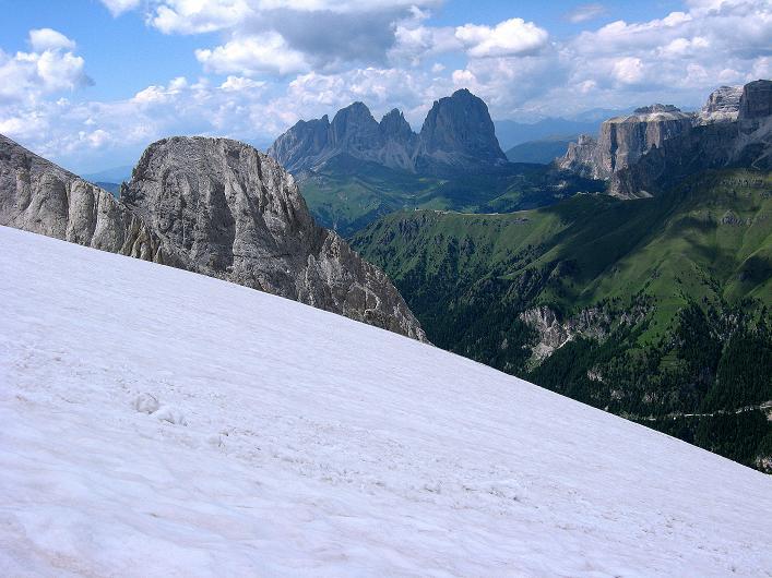 Foto: Andreas Koller / Klettersteig Tour / Marmolada (3343m) - Westgrat Klettersteig (Hans Seyffert Weg) / Blick vom Marmolada-Gletscher nach W zum Langkofel (3181 m) / 18.09.2008 00:24:21