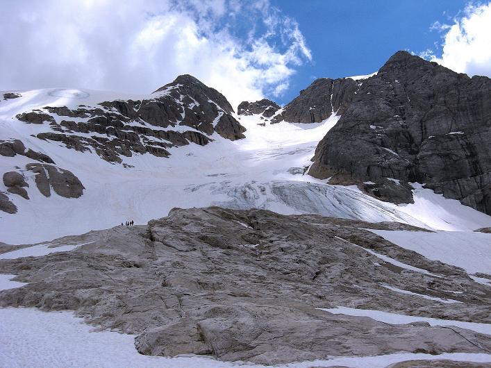 Foto: Andreas Koller / Klettersteig Tour / Marmolada (3343m) - Westgrat Klettersteig (Hans Seyffert Weg) / Letzter Blick in das Gletscherbecken und die Punta Penia / 18.09.2008 00:23:48