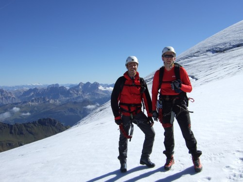 Foto: hofchri / Klettersteig Tour / Marmolada (3343m) - Westgrat Klettersteig (Hans Seyffert Weg) / kurze Fels- und  Gletscherpassagen / 14.02.2009 16:15:43
