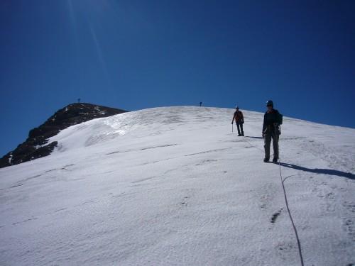Foto: hofchri / Klettersteig Tour / Marmolada (3343m) - Westgrat Klettersteig (Hans Seyffert Weg) / der obere Gleschter weißt kaum Spalten am