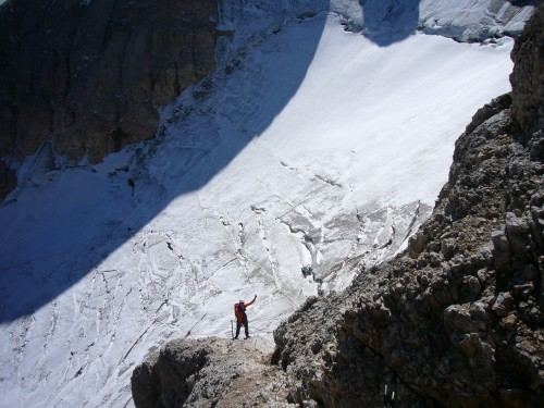 Foto: hofchri / Klettersteig Tour / Marmolada (3343m) - Westgrat Klettersteig (Hans Seyffert Weg) / spätestens vor dem Übergang auf den unteren Gletscher müssen bei Eis Steigeisen drauf! / 14.02.2009 16:21:58