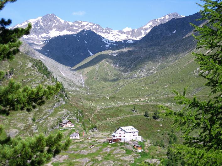 Foto: Andreas Koller / Wander Tour / Aus dem Martelltal auf die Köllkuppe (3330m)  / Blick über die Zufallhütte ins Madritschtal / 18.09.2008 21:55:21
