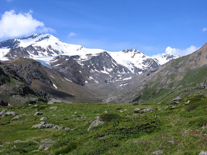 Foto: Andreas Koller / Wander Tour / Aus dem Martelltal auf die Köllkuppe (3330m)  / Die Zufallspitzen über dem Talgrund (3757 m) / 18.09.2008 21:50:34