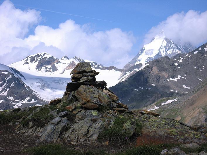 Foto: Andreas Koller / Wander Tour / Aus dem Martelltal auf die Köllkuppe (3330m)  / blick vom Steig zur Königspitze (3859 m) / 18.09.2008 21:49:53
