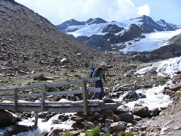 Foto: Andreas Koller / Wander Tour / Aus dem Martelltal auf die Köllkuppe (3330m)  / Die Veneziaspitzen (3386 m) / 18.09.2008 21:47:13