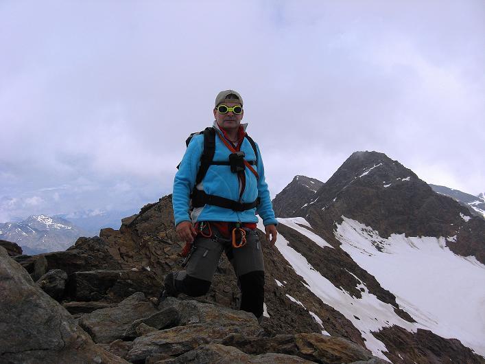Foto: Andreas Koller / Wander Tour / Aus dem Martelltal auf die Köllkuppe (3330m)  / Am Gipfel gegen die Veneziaspitzen / 18.09.2008 21:31:41