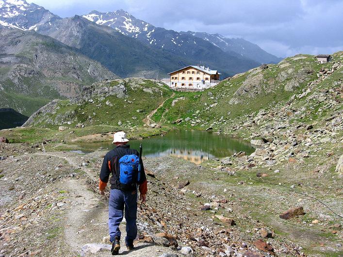 Foto: Andreas Koller / Wander Tour / Aus dem Martelltal auf die Köllkuppe (3330m)  / Zurück zur Marteller Hütte / 18.09.2008 21:28:56