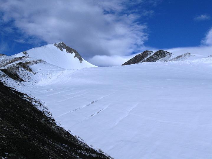 Foto: Andreas Koller / Wander Tour / Dzo Jongo (6217m) / Dzo Jongo und Gletscherbecken / 18.09.2008 22:47:12