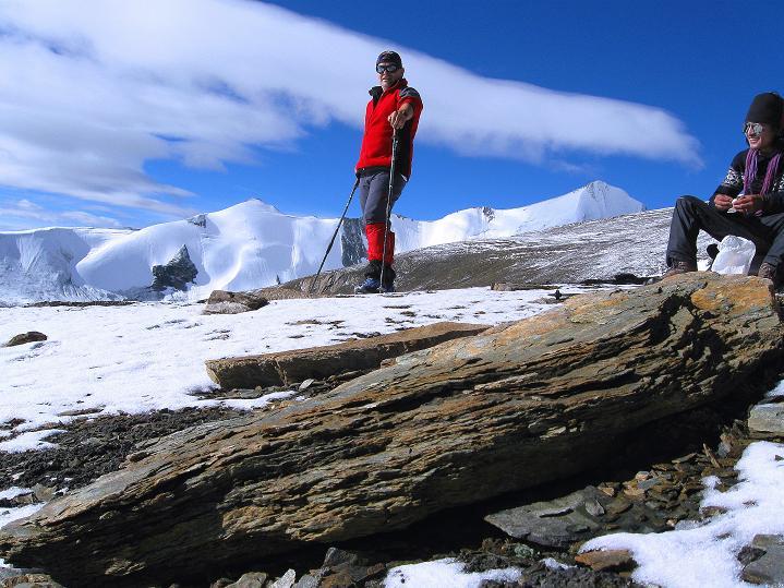 Foto: Andreas Koller / Wander Tour / Dzo Jongo (6217m) / Rast mit tollen Ausblicken / 18.09.2008 22:45:01