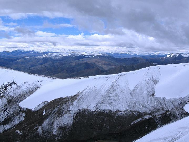 Foto: Andreas Koller / Wander Tour / Dzo Jongo (6217m) / Blick nach O zur Ladakh Range / 18.09.2008 22:42:05