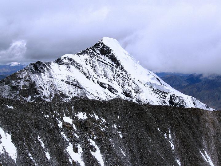 Foto: Andreas Koller / Wander Tour / Dzo Jongo (6217m) / Im N der Kang Yatse (6404 m) / 18.09.2008 22:38:51