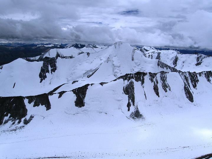 Foto: Andreas Koller / Wander Tour / Dzo Jongo (6217m) / Der Gapo Ri (6090 m) / 18.09.2008 22:37:02