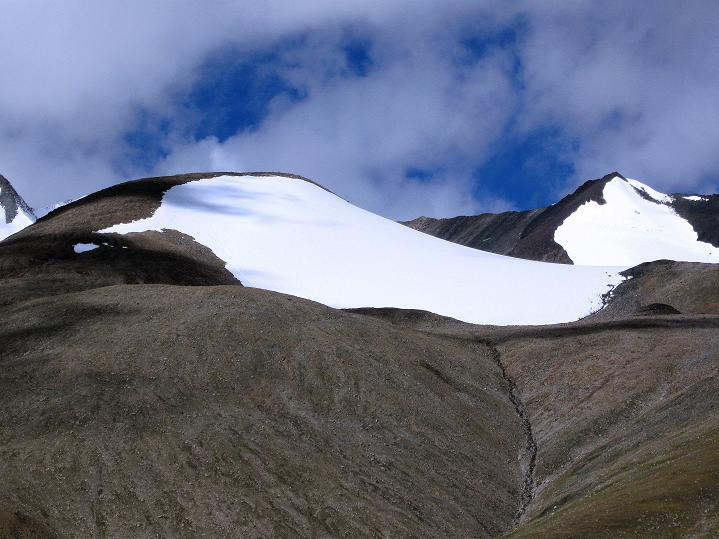 Foto: Andreas Koller / Wander Tour / Aussichtsgipfel Uatse Ri (5673m) / Theny Ri (5765 m) und Regoni Malai Ri (6033 m) / 23.09.2008 00:42:29