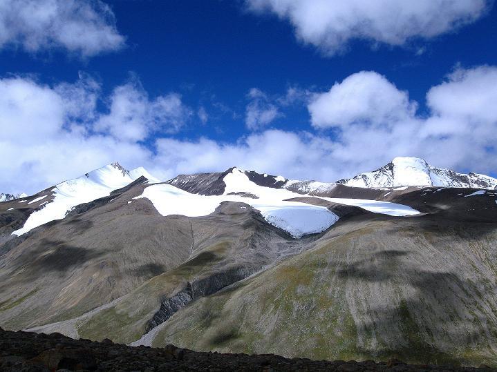 Foto: Andreas Koller / Wander Tour / Aussichtsgipfel Uatse Ri (5673m) / Dzo Jongo (6217 m), Regoni Malai Ri (6033), Kang Yatse (6404 m) / 23.09.2008 00:39:58